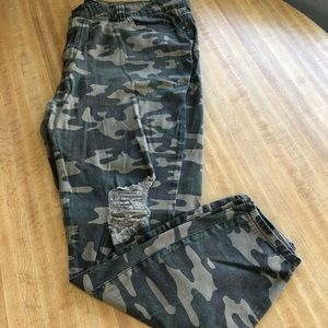 Forever 21 Plus Distressed Camouflage Skinny Jeans
